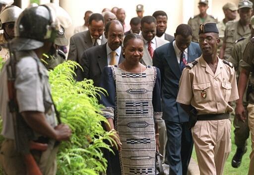 Le procès de la secrétaire générale du RDR, Henriette Diabaté, et d'une vingtaine de membres du parti s'ouvre à Abijan ce 10 novembre 1999.