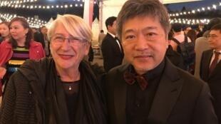 法国维苏尔国际亚洲电影节(FICA)主席马尔蒂娜 ·戴鲁安纳和日本名导演是枝裕和