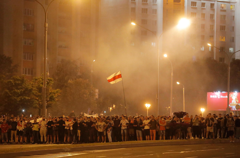 Após as eleições de domingo (9), ao menos 22 cidades de Belarus tiveram protestos contra o governo