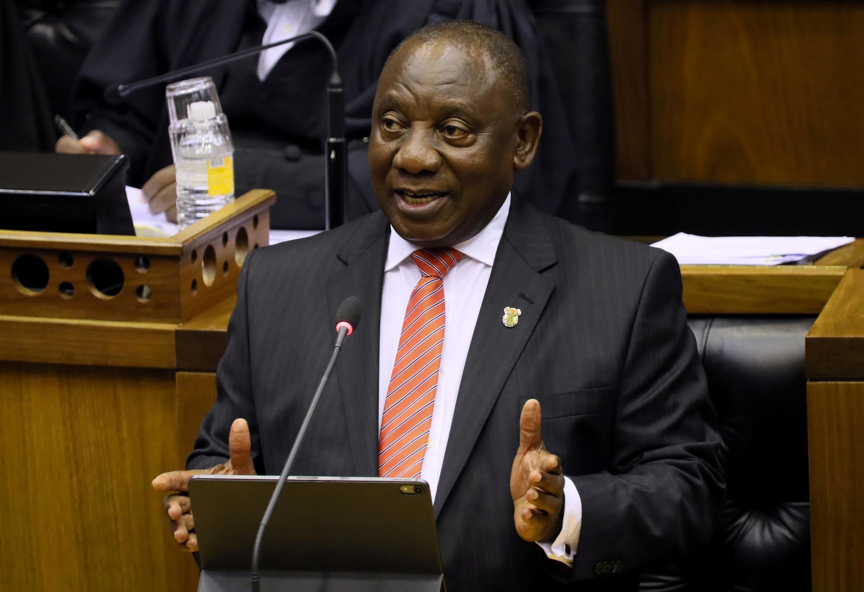 Le président sud-africain Cyril Ramaphosa s'adresse à la Nation, au Cap, le 13 février 2020.