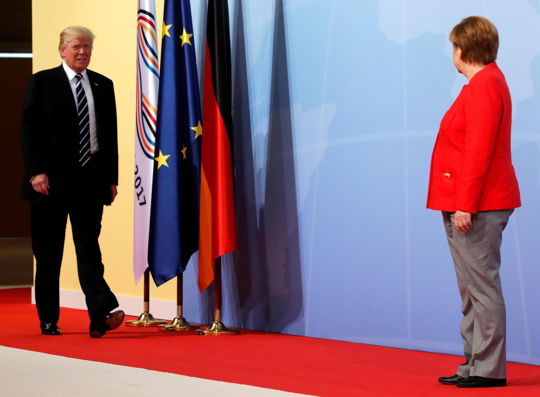A chanceler alemã Angela Merkel recebe o presidente americano Donald Trump para a reunião de cúpula do G20 em Hamburgo nesta sexta-feira (7).