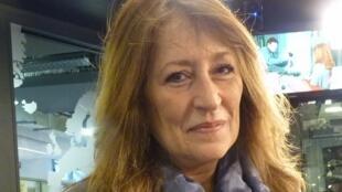 Gabriela López Díaz en los estudios de RFI.