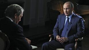 """En una entrevista concedida pocos días antes de la gran misa de la ONU, el presidente ruso afirmó que """"por ahora"""" no prevee enviar tropas a Siria. Este 20 de septiembre de 2015."""