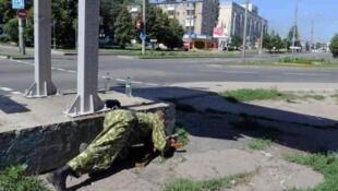 一個親俄分裂分子在烏克蘭頓涅斯克