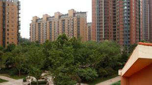 Em Pequim o preço dos aluguéis na capital chinesa, abocanham maior parte dos salários no mundo.