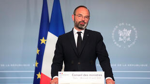 French Prime Minister Edouard Philippe details government plans for emergency funds for the Covid-19 epidemic following a cabinet meeting in Paris, 15 April 2020.