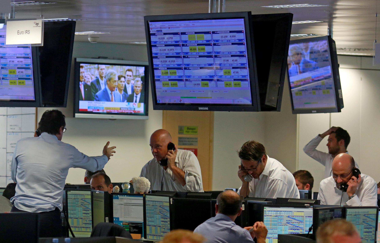Les bourses se sont effondrées dès leurs ouvertures suite à l'annonce des résultats du référendum en faveur du Brexit au Royaume-Uni.
