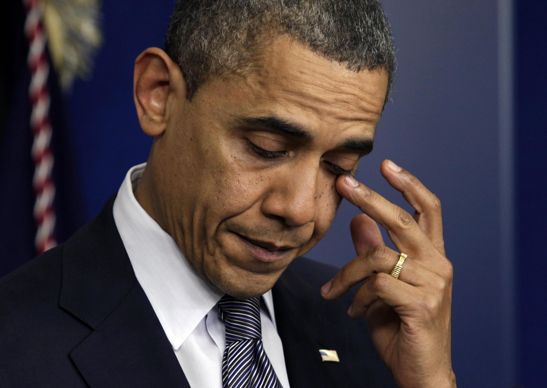 Tổng thống Mỹ Barack Obama rơi lệ khi nói về vụ thảm sát tại trường tiểu học Sandy Hook ở Newtown, Connecticut, Mỹ.