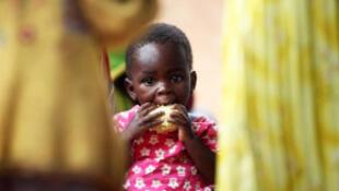 Une ONG a mis au point un aliment miracle, une bouillie à forte valeur nutritionnelle.