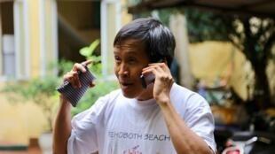 Blogger Nguyễn Hữu Vinh tức Anh Ba Sàm tiếp nhận rất nhiều cuộc gọi chúc mừng trong ngày đầu tiên được trả tự do, 05/05/2019.