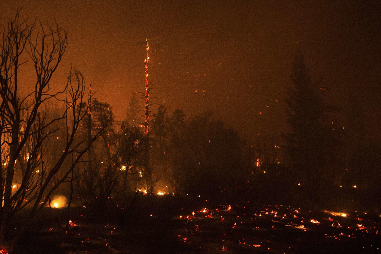 Incêndio devastador no Parque Nacional de Yosemite, na Califórnia, Estados Unidos, em foto de 25 de agosto de 2013.