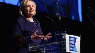 Хиллари Клинтон во время присуждения ей премии Роберта Кеннеди. Нью-Йорк 17/12/2014