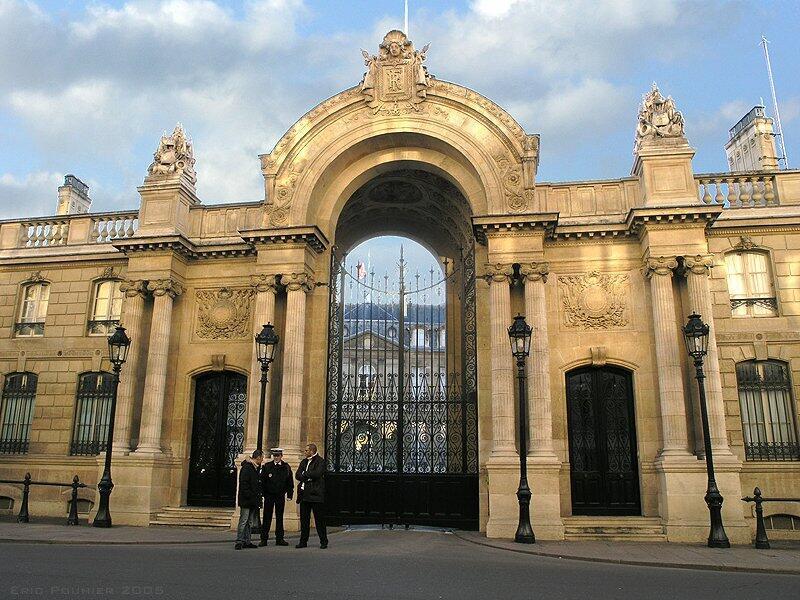 Вход в Елисейский дворец