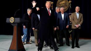 O presidente dos Estados Unidos, Donald Trump, tem buscado adotar medidas contra a imigração que agradam a ala mais conservadora do governo