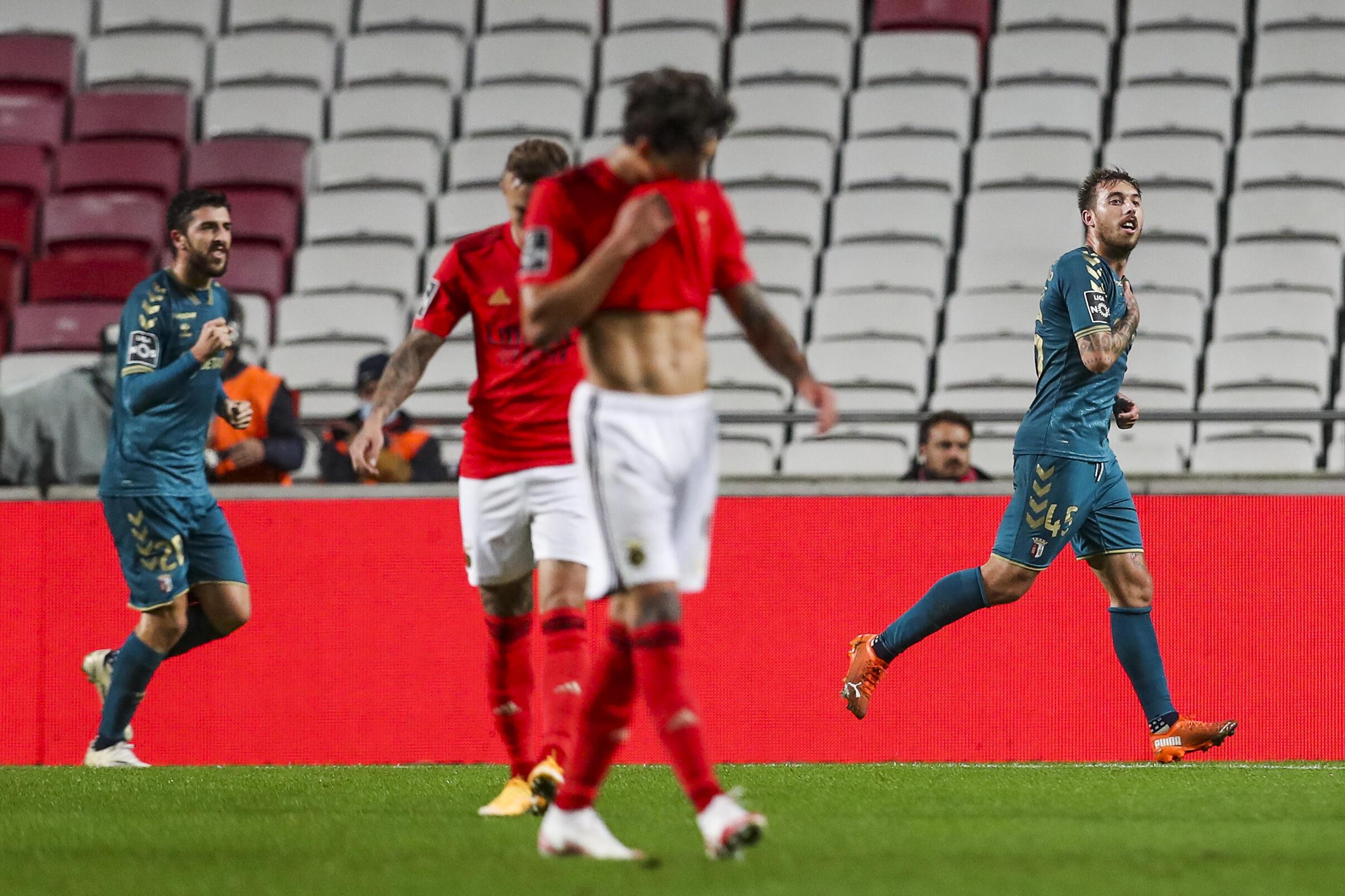 O Benfica perdeu por 2-3 frente ao Sporting de Braga.