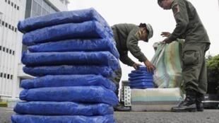 Paquetes de marihuana confiscados en Cali, Colombia, el 26 de junio de 2012.