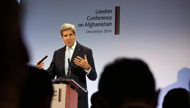 John Kerry délivre son discours à la conférence de Londres sur l'Afghanistan, le 4 décembre 2014.