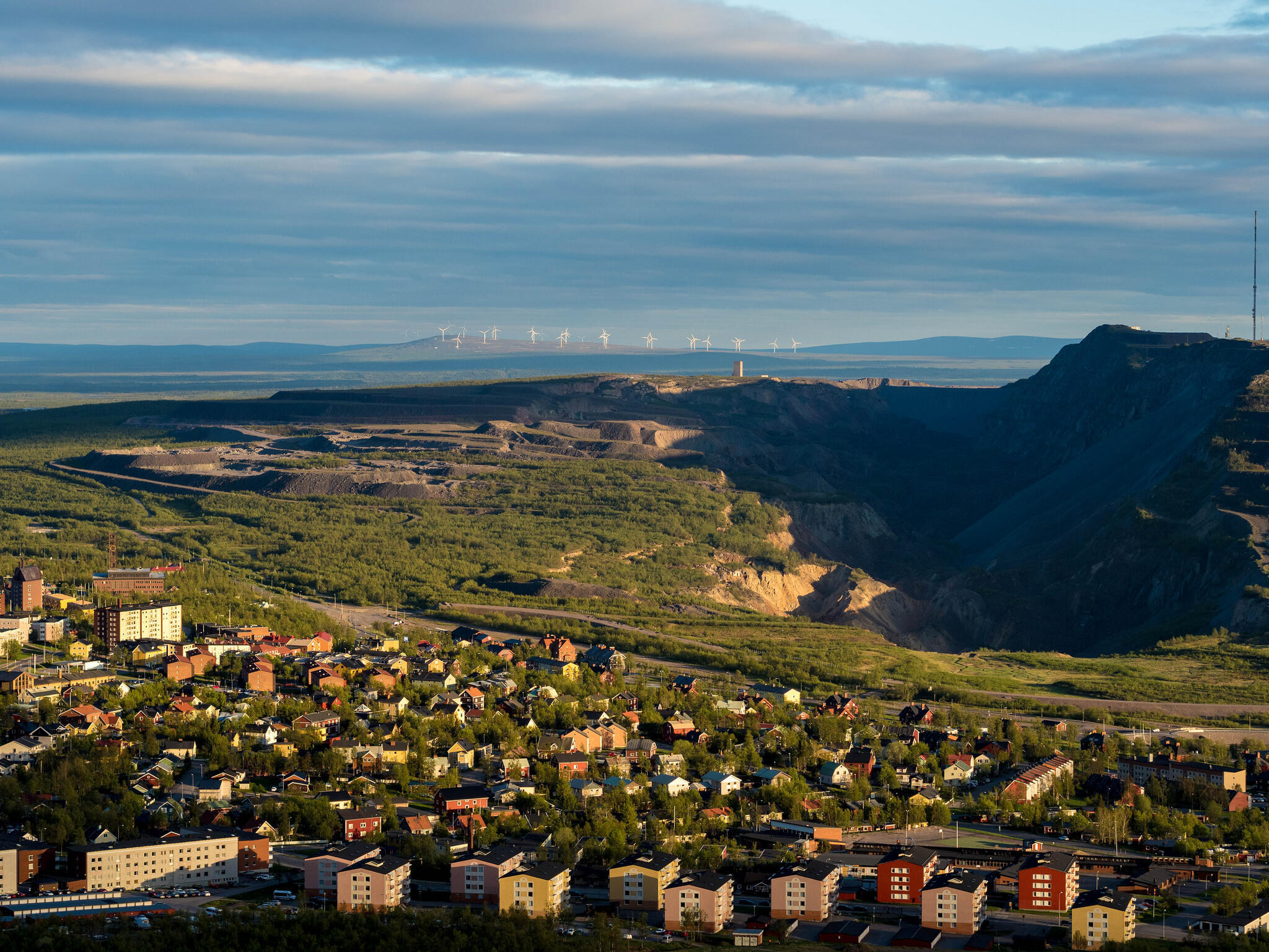 Thụy Điển : quan cảnh thành phố mỏ Kiruna, nơi Trung Quốc xây trạm vệ tinh.