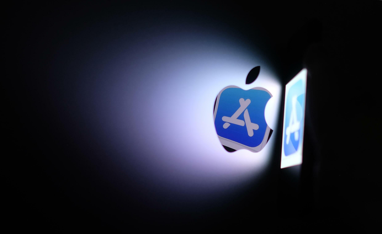 Imagen ilustrativa del logo de la App Store de Apple en Los Angeles, el 26 de agosto de 2021