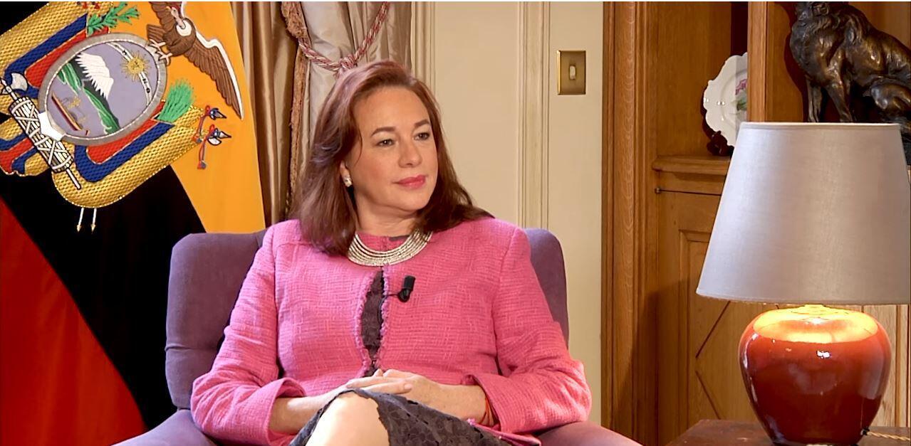 María Fernanda Espinosa, ministra de Relaciones exteriores ecuatoriana y de movilidad humana fue la invitada de Escala en París.