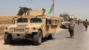 خودروی نیروهای ارتش افغانستان در هلمند.