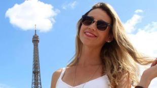Rubiana Fortes, brasileira que voltou para Paris no dia 25 de abril e está submetida à quarentena de dez dias (a foto é anterior à viagem e à quarentena).