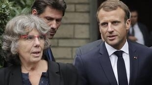 O presidente Emmanuel Macron na companhia de Michèle Audin, filha de Maurice Audin