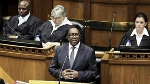 Le ministre des Finances sud-africain, Nhlanhla Nene, ici lors d'un discours devant le Parlement en février 2015.