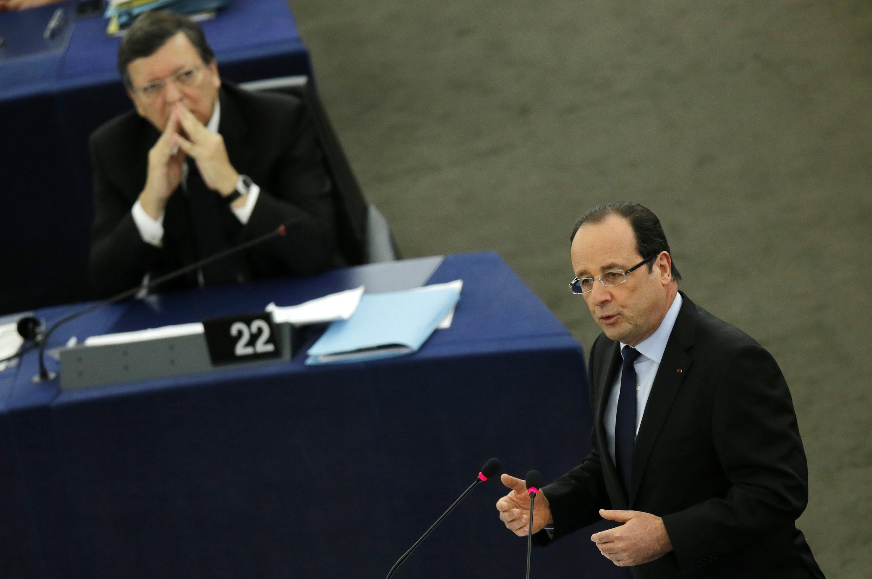Франсуа Олланд выступает с речью перед Европарламентом в Страсбурге 05/02/2013
