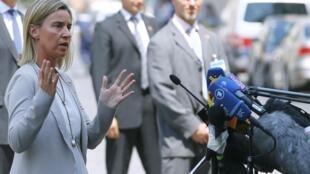 Глава европейской дипломатии Федерика Могерини сообщила о продлении переговоров по иранской ядерной программе, Вена, 7 июля 2015.