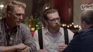 Joshua Homme et Jesse Hughes, membres de Eagles of Death Metal, lors de leur interview filmée par «Vice».