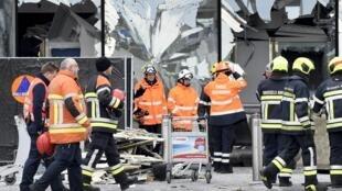 图为布鲁塞尔国际机场遭恐怖爆炸袭击现场