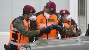 L'armée et la garde civile ont été appelées en renfort à Madrid pour effectuer les tests PCR et contrôler les axes routiers les plus fréquentés.