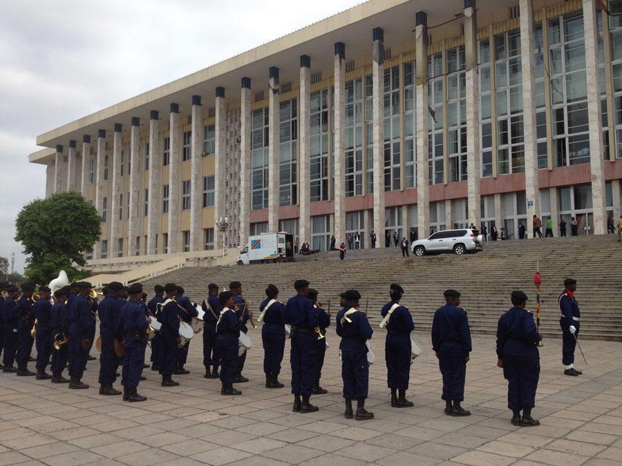 Le Palais du peuple, bâtiment du Parlement congolais (RDC) à l'occasion de la rentrée parlementaire, à Kinshasa, le 15 septembre 2016.