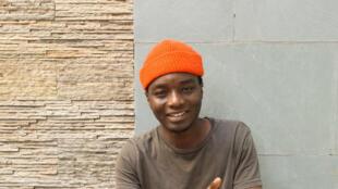 Ilam, chanteur québécois d'origine sénégalaise.