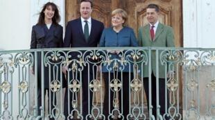 La chancelière allemande, Angela Merkel, et son époux ont accueilli le Premier ministre britannique, David Cameron, et son épouse à Berlin, le 12 avril 2013.