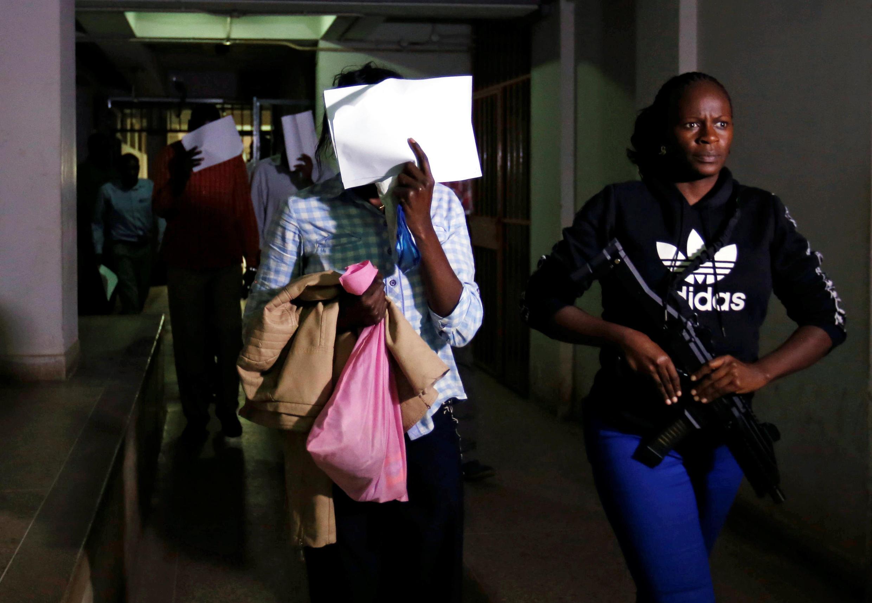 Vendredi 18 janvier, cinq suspects en lien avec l'attaque du complexe hôtelier à Nairobi ont été présentés à la justice et ont vu leur détention prolongée pour 30 jours le temps de l'enquête.