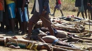 Corps de Dahalos tués par les villageois dans la province d'Anosy, dans le sud de la Grande Ile, le 3 septembre 2012.