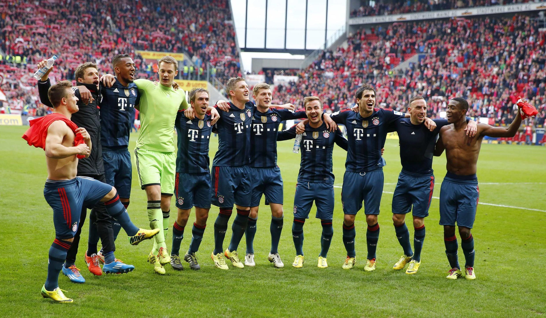 Bayern de Munique comemora vitória em jogo do campeontao alemão em 22 de março de 2014