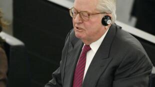 Le leader du Front national Jean-Marie Le Pen lors de son intervention au Parlement européen à Strasbourg, le 25 mars 2009.