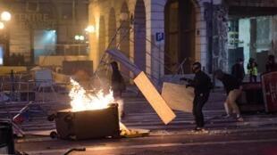 Акция протеста «желтых жилетов» в Марселе, 1 декабря 2018.