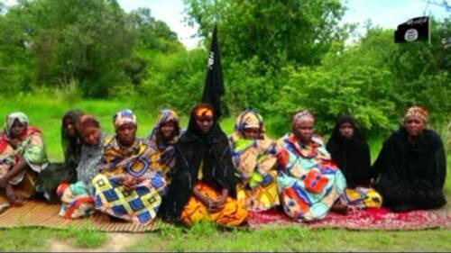 Wasu daga cikin matan da mayakan Boko haram suka sace a jihar Borno, ranar 17 ga watan Yuni 2017.