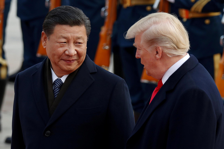 Ảnh tư liệu: Chủ tịch Trung Quốc Tập Cập Bình (T) tiếp tổng thống Mỹ Donald Trump, Bắc Kinh, ngày 09/11/2017