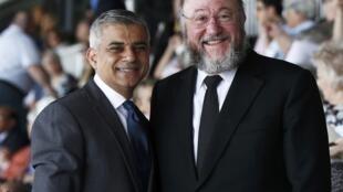 Đô trưởng Luân Đôn Sadiq Khan và Giáo trưởng Do Thái Giáo Anh Quốc Ephraim Mirvis tại sân vận động Bắc Luân Đôn, ngày 08/05/2016.