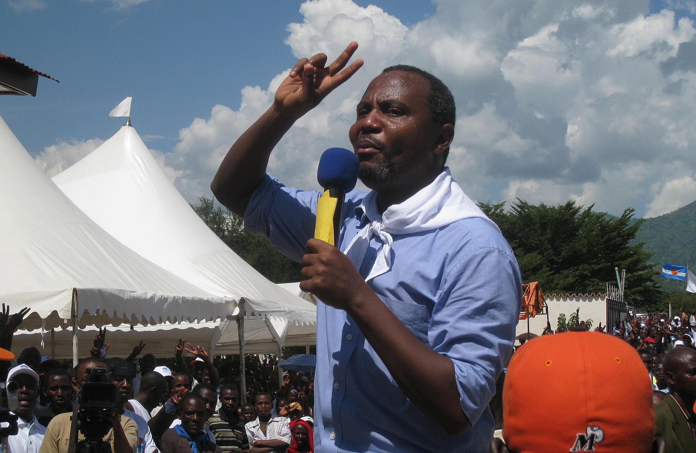 Des responsables de l'opposition comme Alexis Sinduhije du MSD figureraient parmi ces demandes d'extradition.