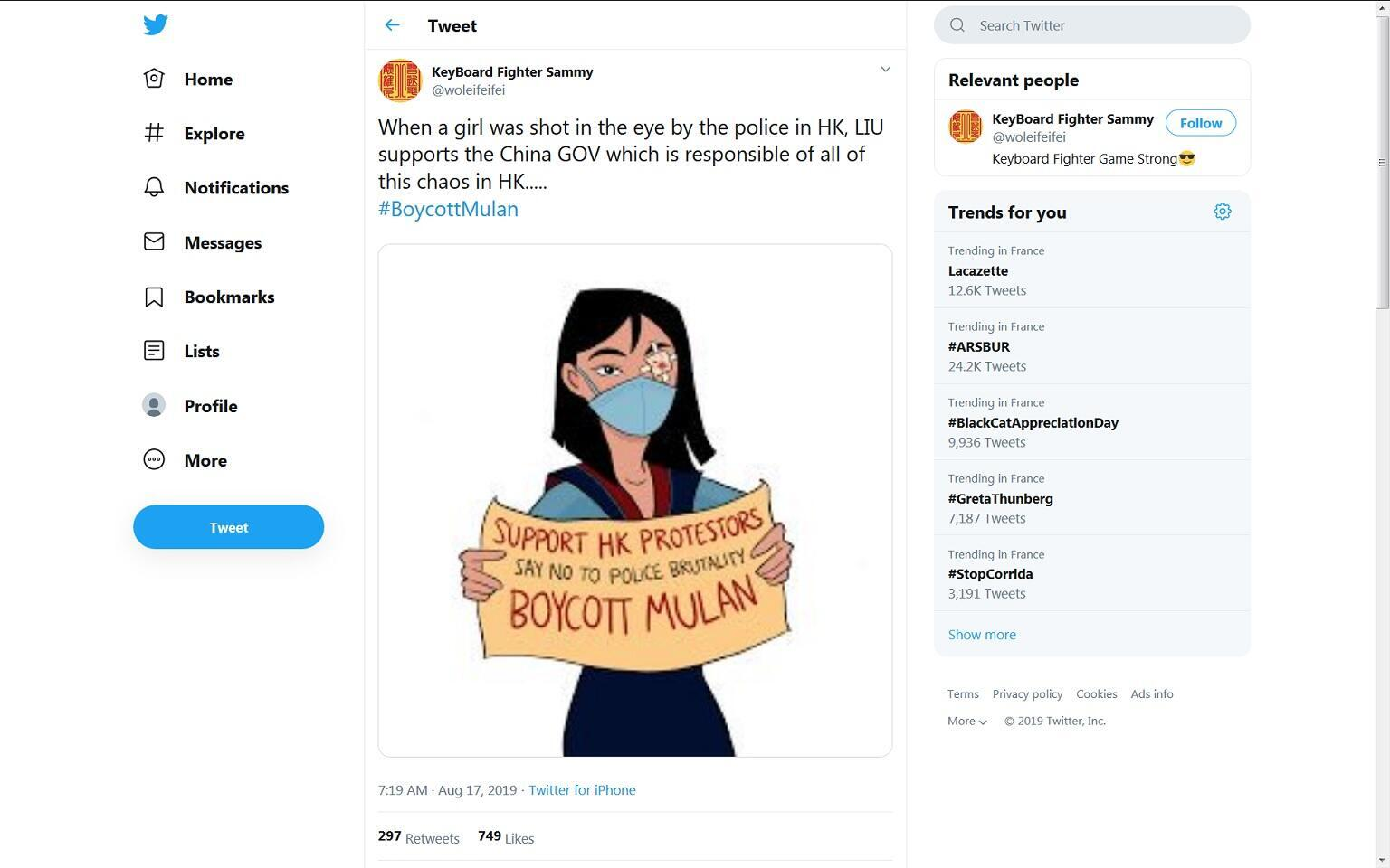 """Ảnh chụp màn hinh một bài trên Twitter kêu gọi """"Tẩy Chay Mộc Lan"""" để phản đối diễn viên Lưu Diệc Phi đã bênh vực cảnh sát Hồng Kông."""