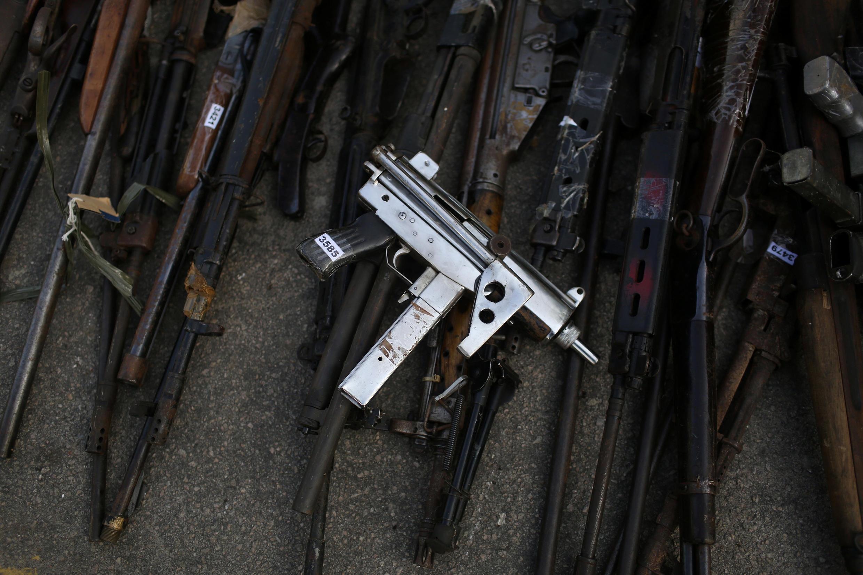 5000 armes saisies par la police ont été détruites à Rio de Janeiro, le 6 juillet 2017.