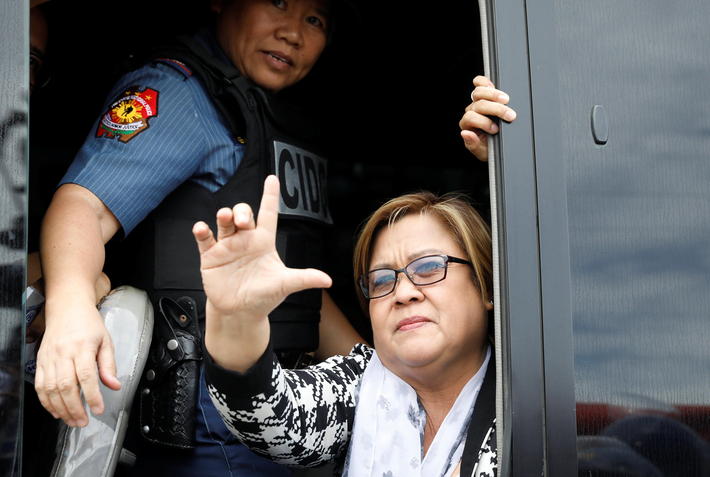 Nữ thượng nghị sĩ Philippines Leila De Lima bị cảnh sát bắt ngày 24/02/2017 tại Manila.