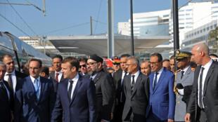 Emmanuel Macron s'est rendu au Maroc pour inaugurer avec Le roi Mohammed VI, le premier train à grande vitesse d'Afrique, le Tanger Med, le 15 novembre 2018.
