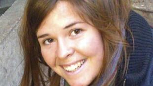 O presidente dos Estados Unidos, Barack Obama, confirmou nesta terça-feira (10) a morte da americana Kayla Jean Mueller, de 26 anos.